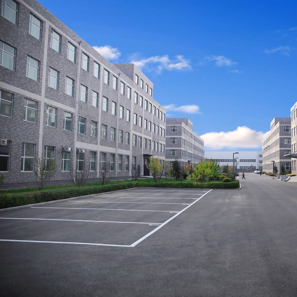 Roomy Factory---26,000 square meters
