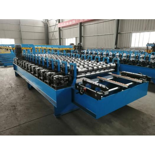 Gear box roof sheet roll forming machine