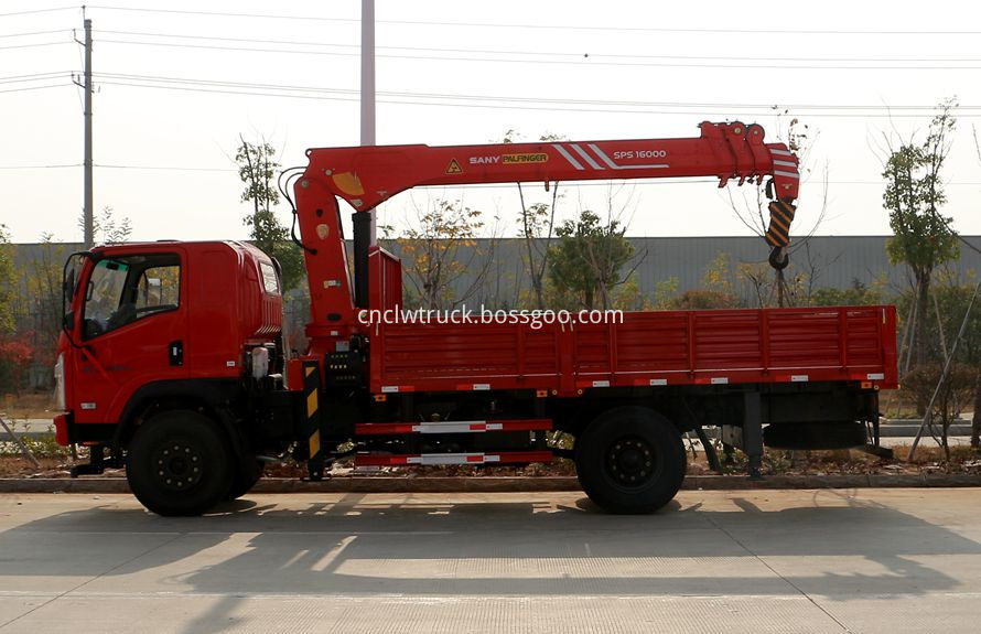 rear mounted crane truck 4