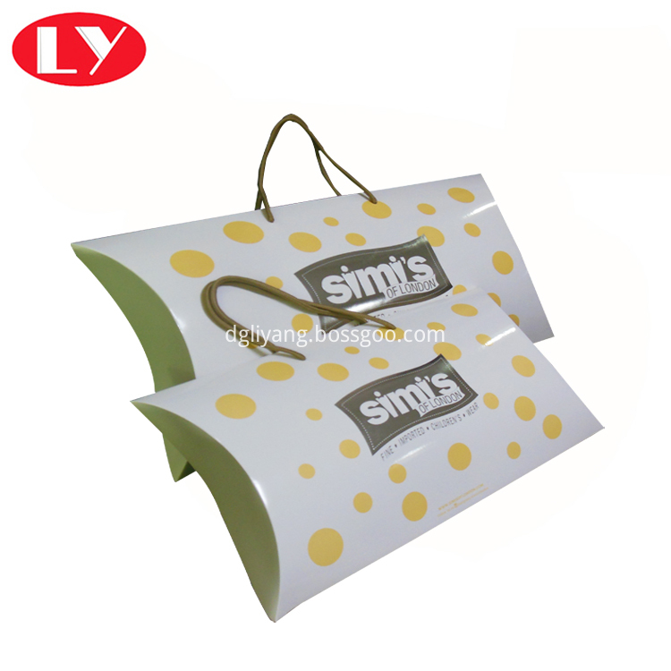 Pillow Box With Handle4