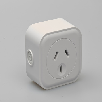 Single output WIFI smart outlet