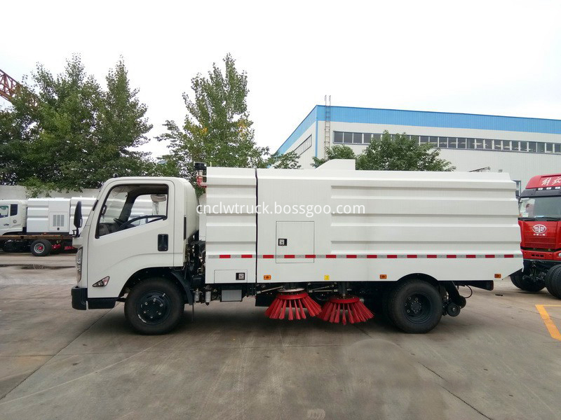 truck mounted street sweeper 3