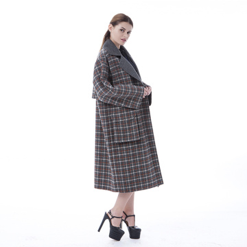 Large pocket cashmere coat with lapel collar