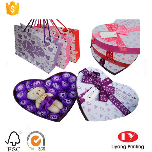 Elegant heart shape flower gift packaging box