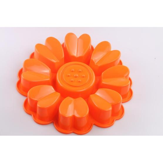 Cake mold in flower shaped