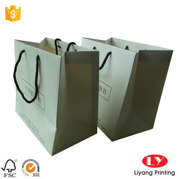 White Paper Flower Gift Bag with Handle