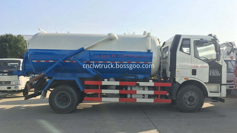 sludge suction truck 1