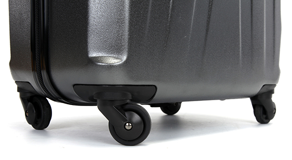 Lock spinner wheels expandable luggage