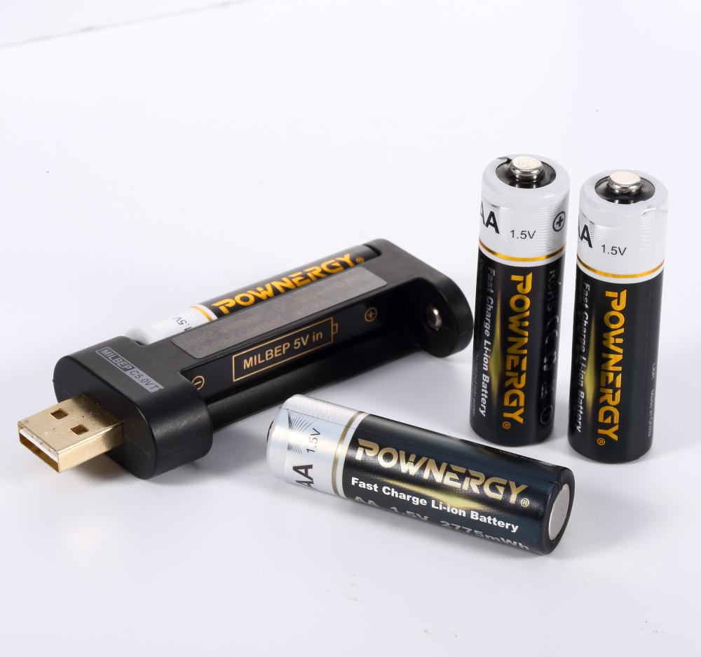 1.5V Rechargeable AA Batteries USB Charger