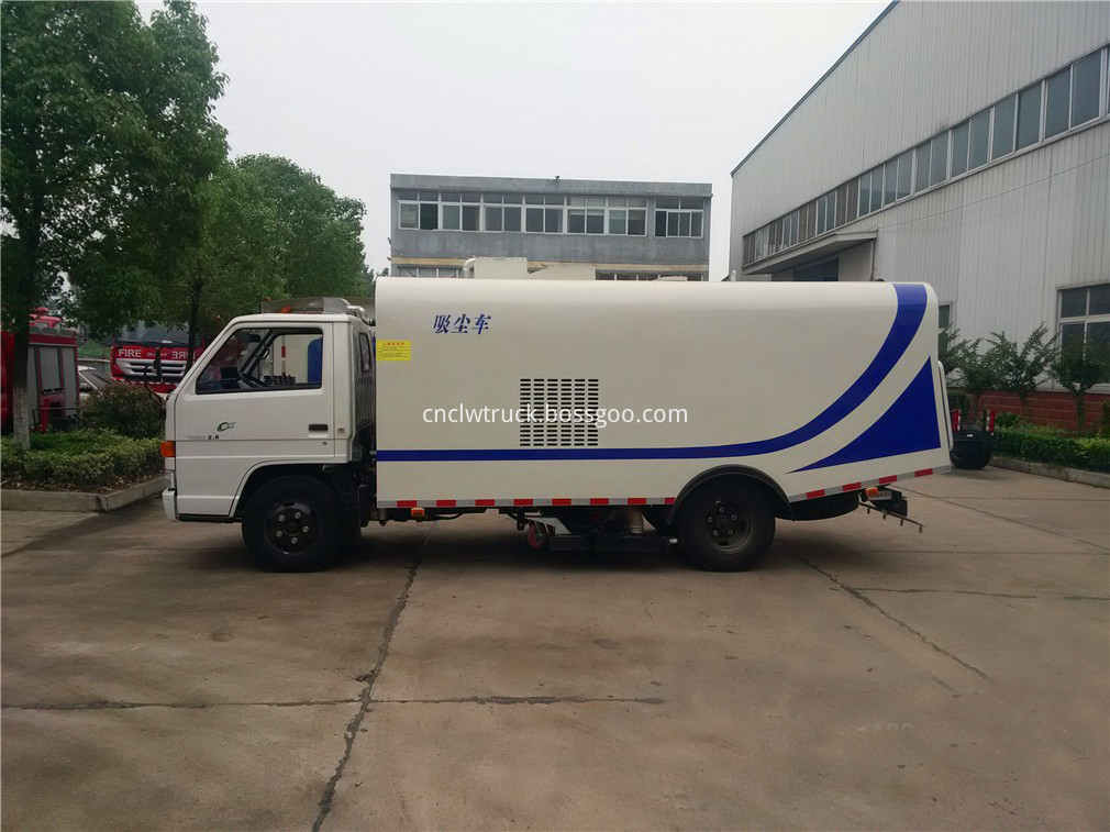 sweeper truck in china 4