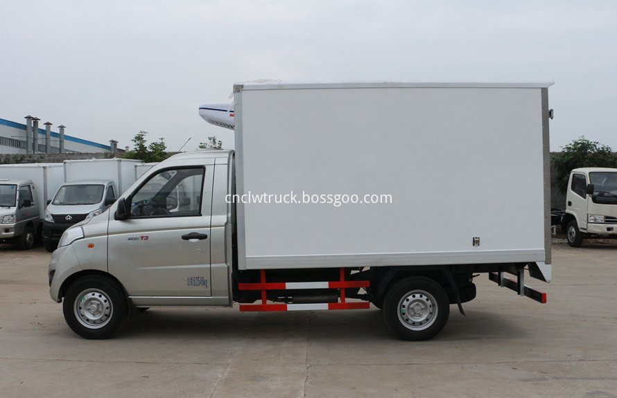 Mini refrigerated truck 1