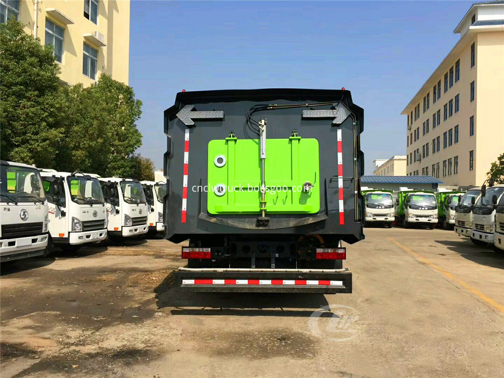 vacuum road sweeper truck 6
