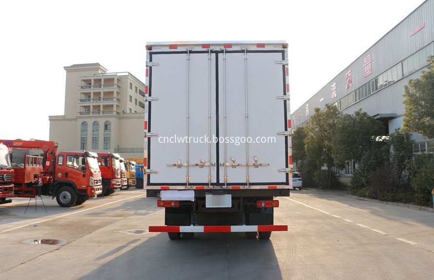 dongfeng 4x2 cargo truck 3