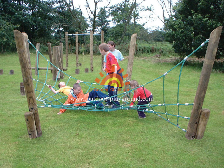 twisted rope climbing net kids park