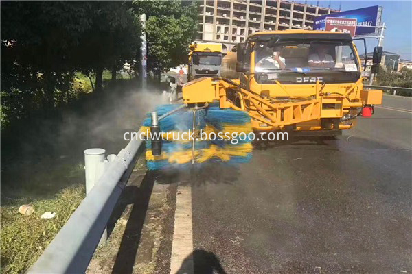 road sweeper truck manufacturers 5