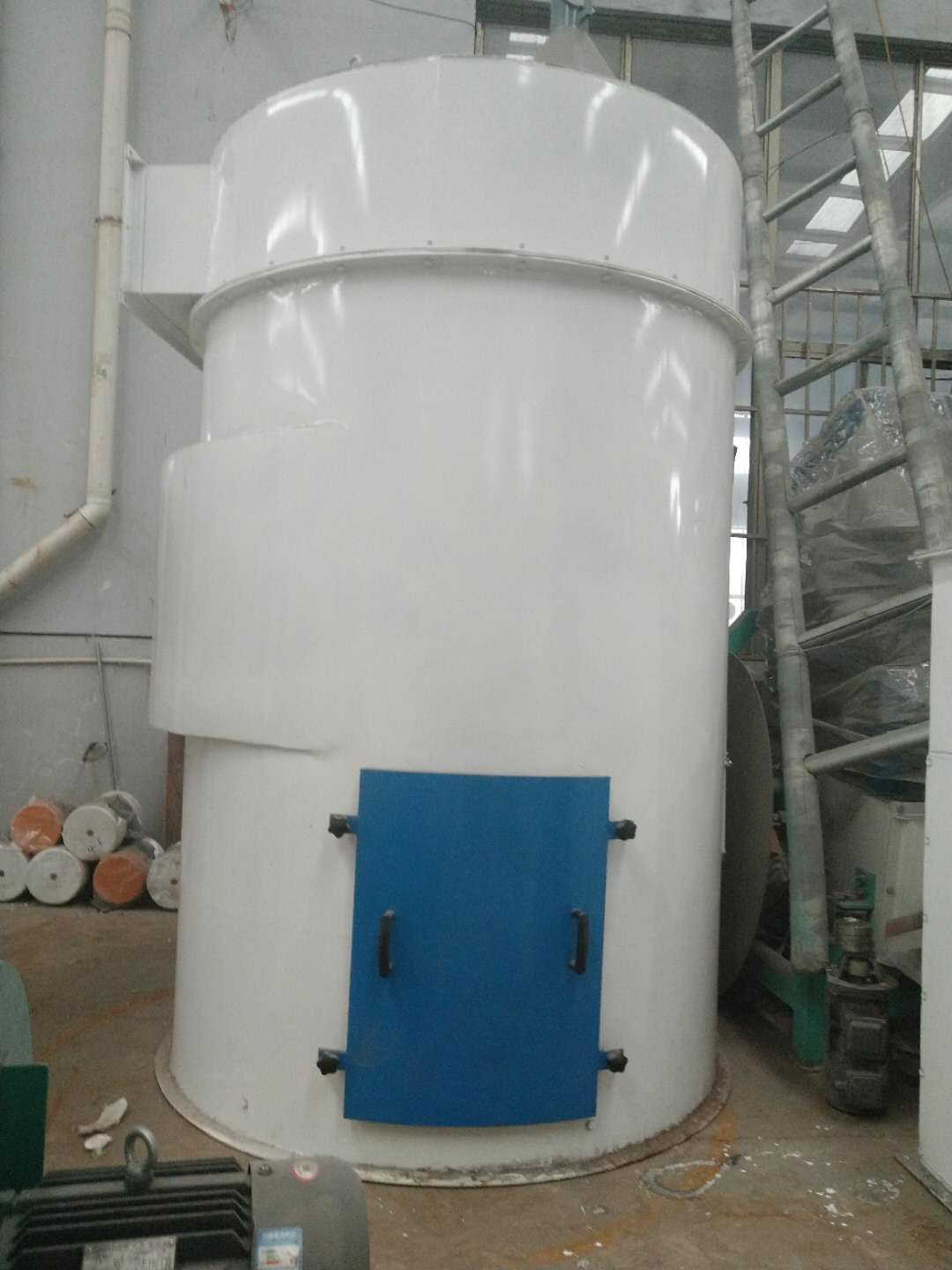 Impulse dust collector