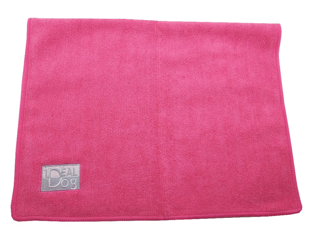 Soft Textile With Embroidery Logo Towel