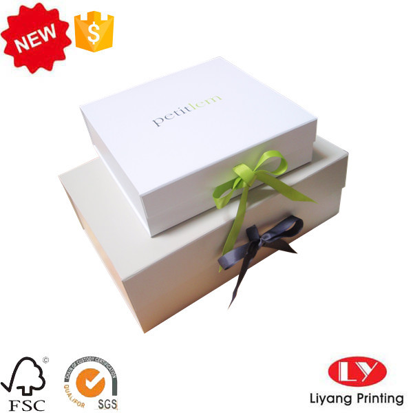 Folding gift clothes packaging box with ribbon