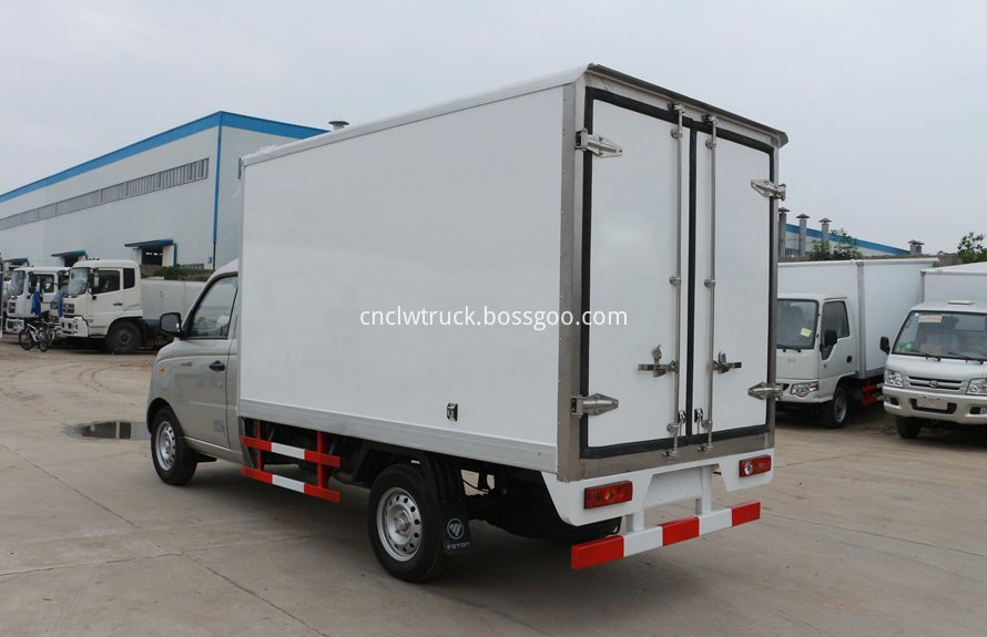 Mini refrigerated truck 2