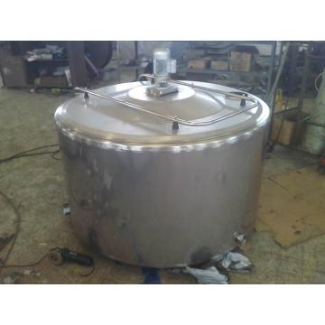 Dairy milk cooling tanks