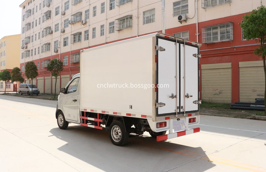 2 ton freezer refrigerated truck 2