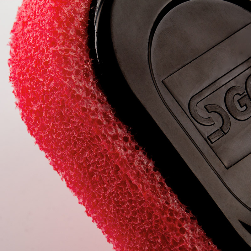 Red-foam-sponge-wax-brush-for-tyer