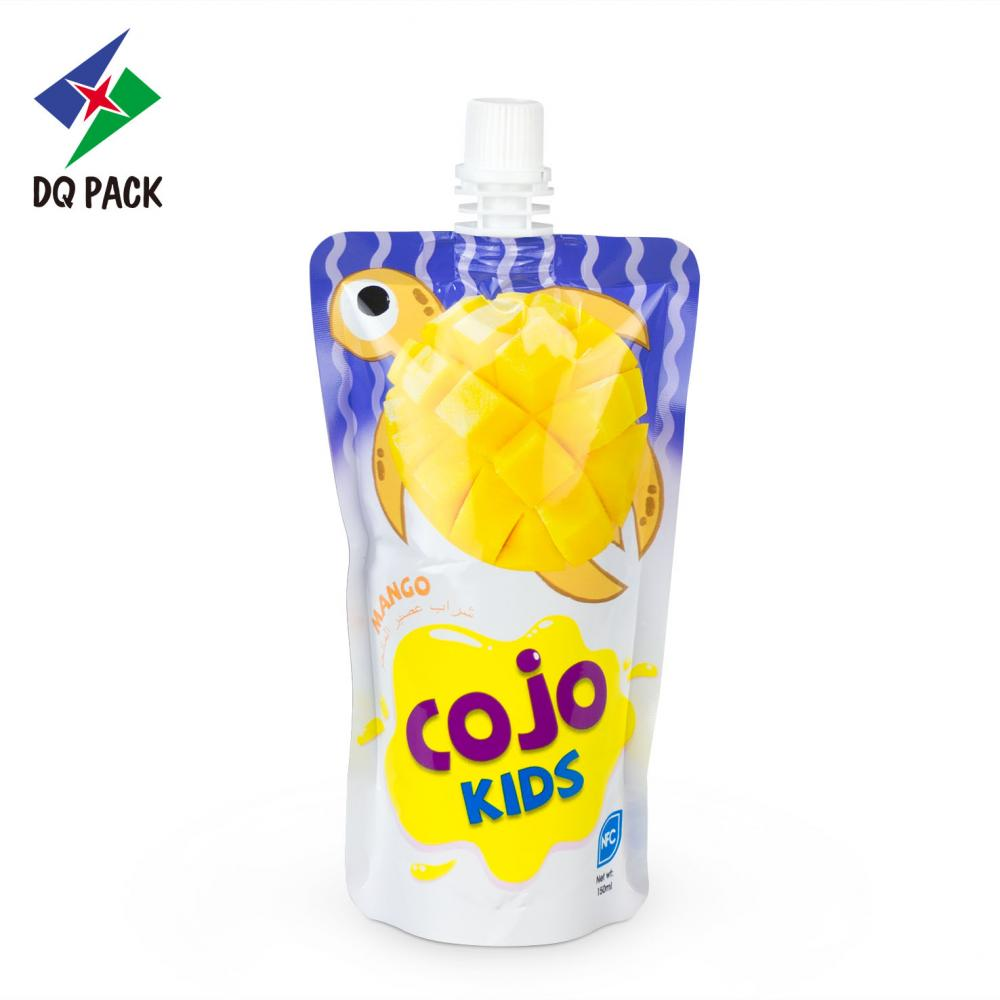Plastic material packaging bag for beverage