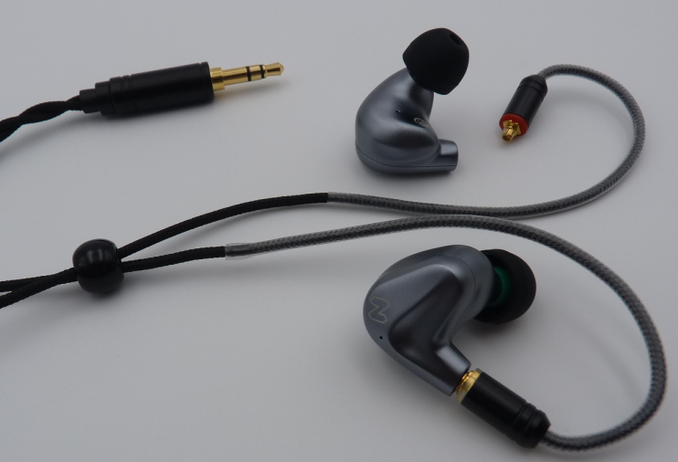 High Fidelity Stereo Earphones