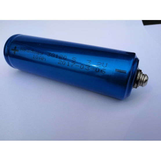 10Ah 3.2V Rechargeable LiFePO4 battery cell