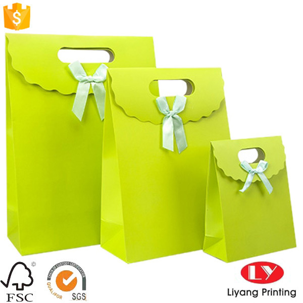 Luxury custom made foldable garment paper bag