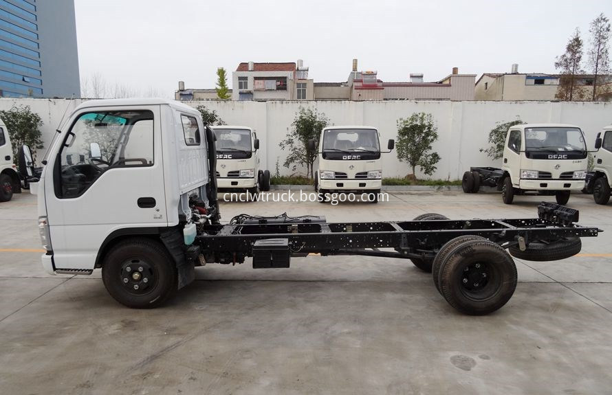 heavy wrecker tow trucks chassis 3