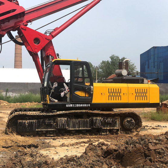 Small diesel water well rotary drilling rig
