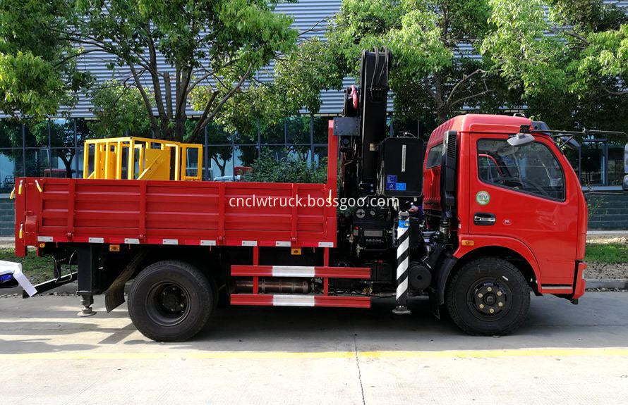 articulated crane truck 3