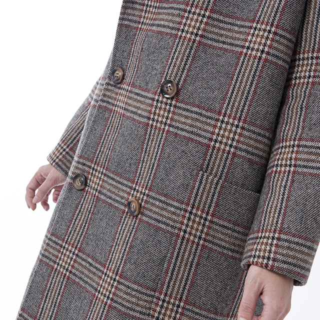 The side of fashionable wool collar cashmere overcoat