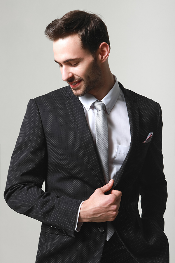 MEN'S FASHION SUITS SUITABLE FOR WORK AND PARTY