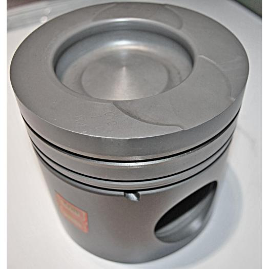 Engine Piston  STR02