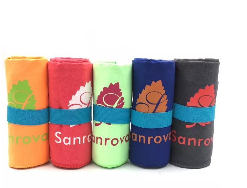 Eco Friendly Customized Microfiber Sport Towel With Pocket