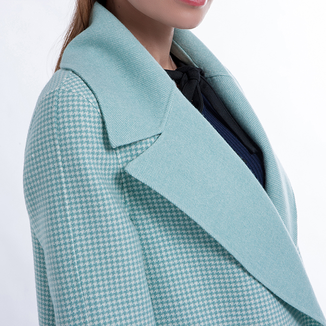 Fashion lapel of cashmere overcoat