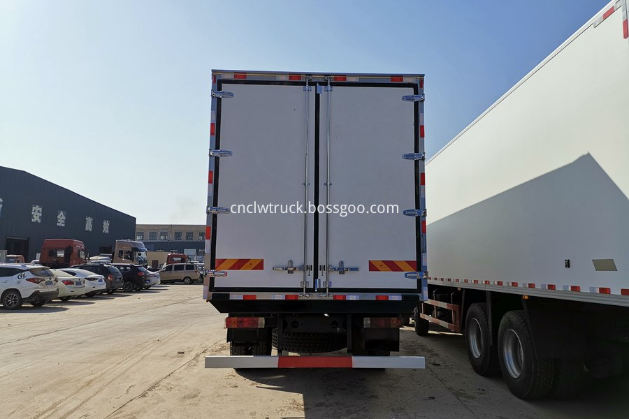 18 ton refrigerated truck 3