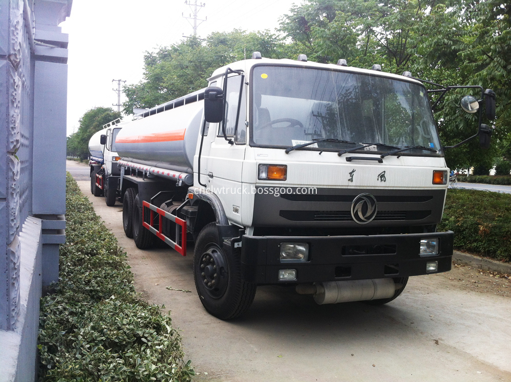 new dongfeng fuel truck 1