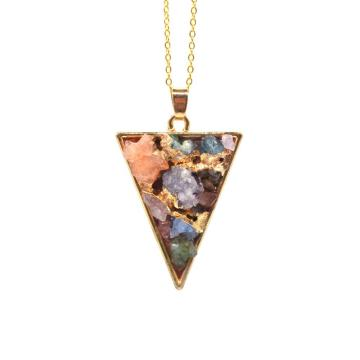 China Supplier Gold Color Triangle Chip Crystal Fang Necklace for Women Accessories