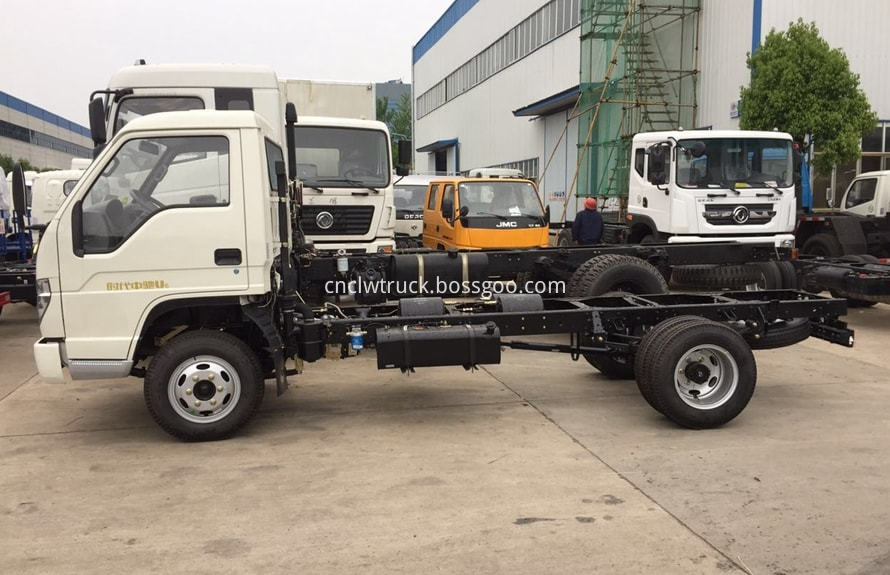 foton 3000l water truck chassis 2