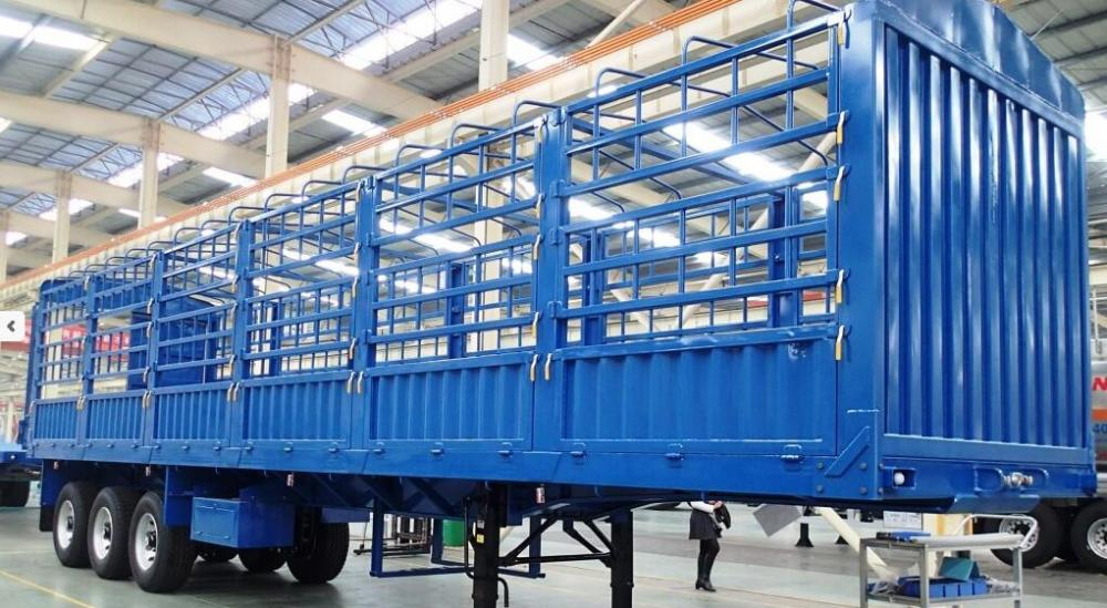 40 T Stake Cargo Trailer With Fence And 3 Axles Flat Bed Trailer Transport Bulk Cargo Trailer