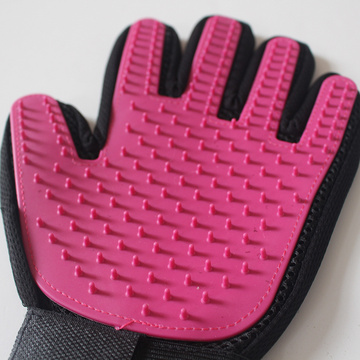 Gentle Deshedding Pet Brush Glove with Grooming Tips