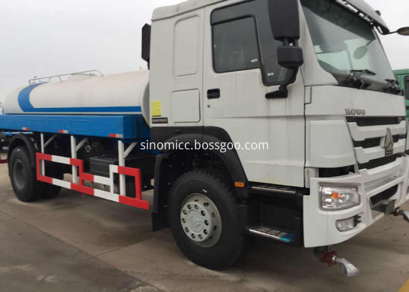 High Efficiency Construction Water Tank Truck 10cbm With 360 Degrees Rotation