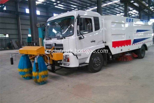road sweeper truck manufacturers 2