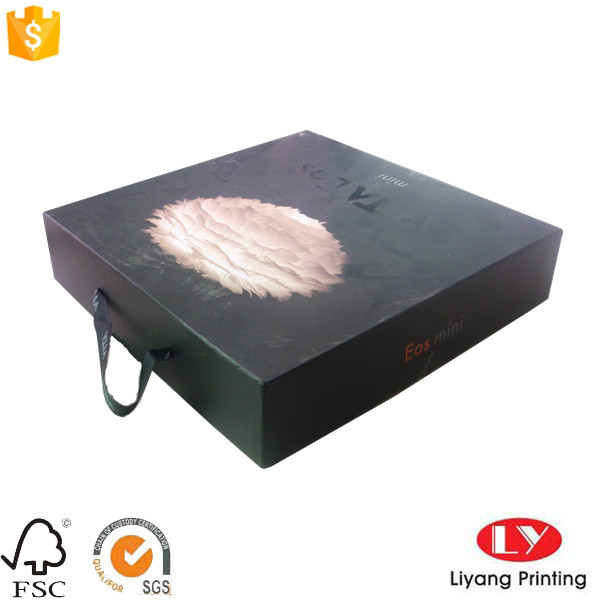 Cardboard gift packaging box with lid handle