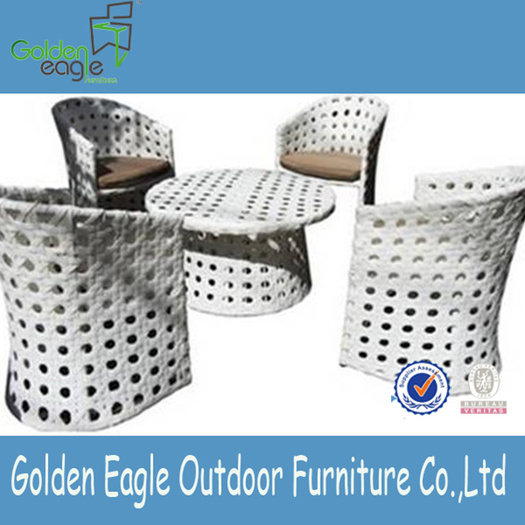 Wide rattan weaving outdoor round table