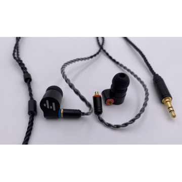 Hybrid in-Ear HiFi Earphones with Detachable Cable
