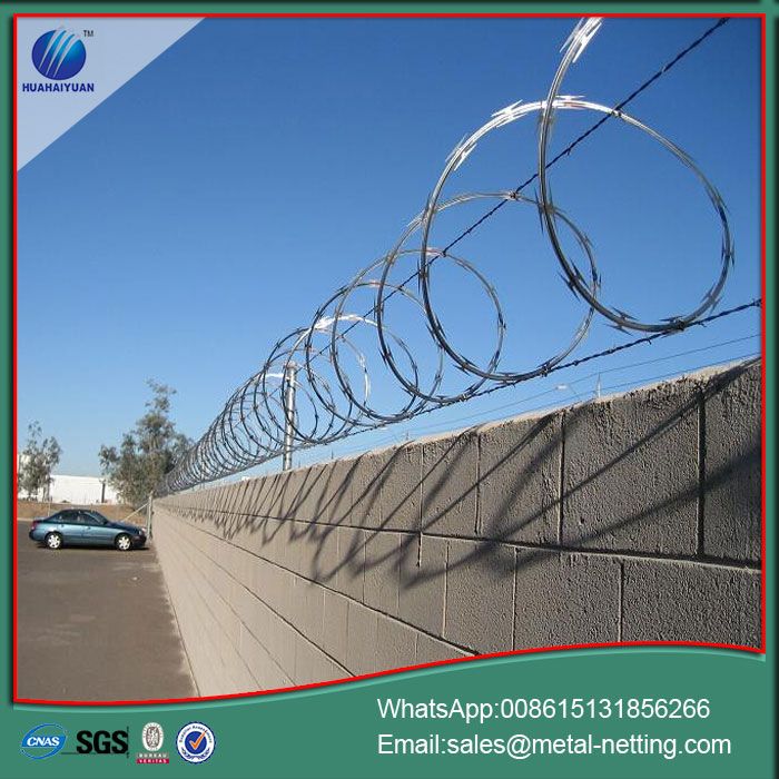 concertina wire razor barbed wire